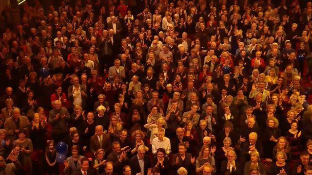 Flyline - World record mannequin challenge in Royal Concertgebouw   Nederlands Blazers Ensemble
